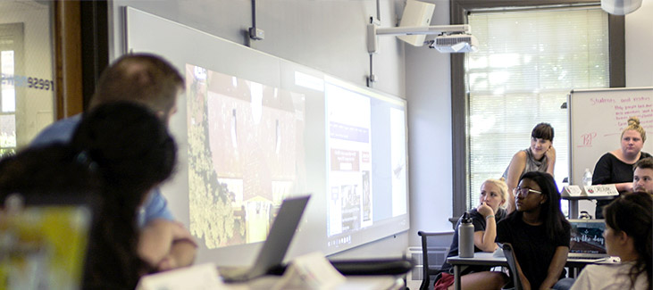 Higher ed classroom to support active learning